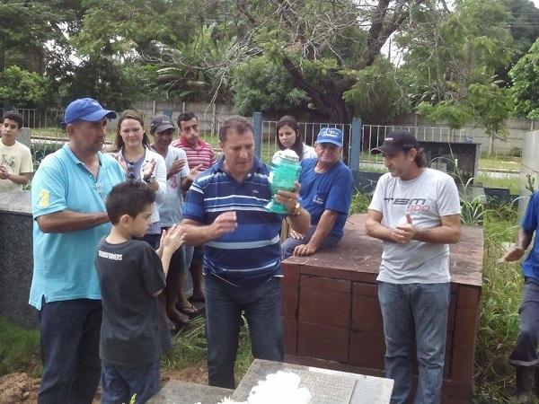 Enterro do piloto Marlon Neves