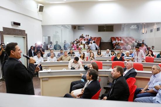 Maurão-de-Carvalho-e-deputados-reúnem-imprensa-para-café-da-manhã