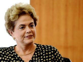 Dilma comparecerá na sessão do impeachment