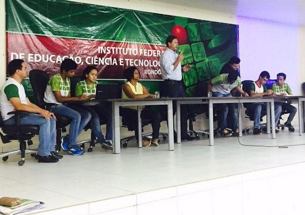 Acir Gurgacz se manifestou solidário ao movimento dos estudantes e disse que tanto a PEC 241 como a MP 746 são, na essência, positivas para o país, mas podem ser aperfeiçoadas.