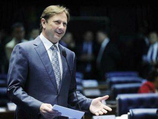 O senador Acir Gurgacz é presidente regional do PDT em Rondônia e líder do partido no Senado.