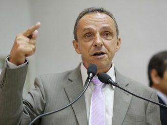 Para o deputado Lazinho a proposta, da forma que está indicada, ameaça as classes urbana e rural de trabalhadores.