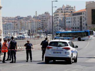 Atropelamento na França: forças da ordem francesas iniciaram uma operação policial na cidade após o atropelamento (Philippe Laurenson/Reuters)