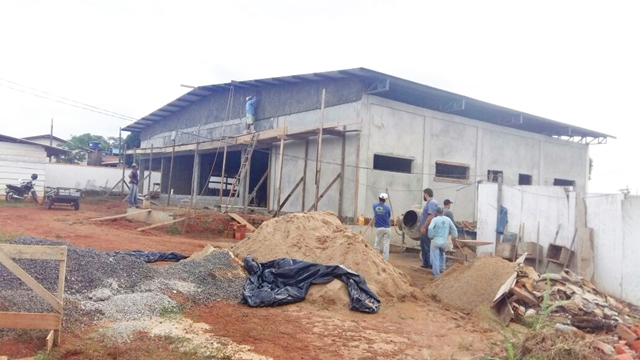 Esta foto, sim, é resultado da emenda de R$ 500 mil, de autoria do senador Valdir Raupp destinada para a construção do Centro de Convivência do Idoso, cuja obra está em andamento.