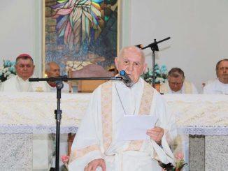 Bispo emérito Dom Antônio Possamai durante celebração na igreja São João Bosco