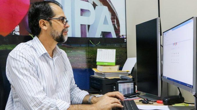 Controlador Geral do Município, Elias Caetano.