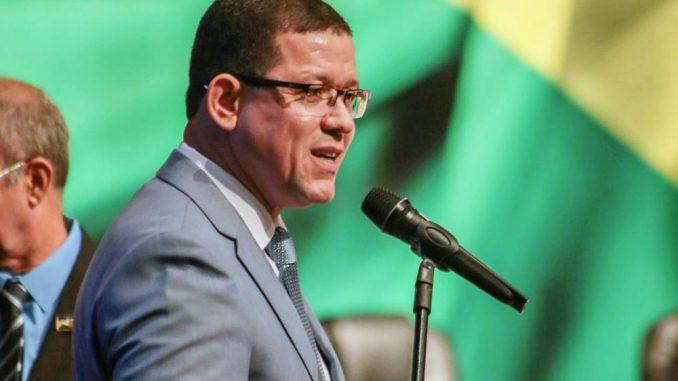 Coronel Marcos Rocha assume o governo de Rondônia prometendo cumprir leis e trabalhar para o povo mais simples