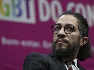 O deputado Jean Wyllys durante o 15º Seminário LGBT do Congresso Nacional (Crédito: José Cruz/Agência Brasil)