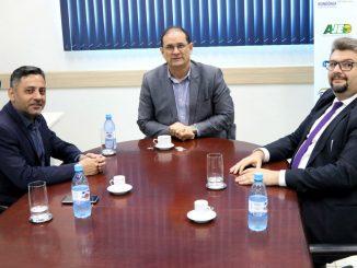 Superintendente do Sebrae em Rondônia, Daniel Pereira, o coordenador do Profaz, Marc Reis e o assessor técnico do TCE-RO, Massud Badra Neto