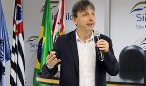 Diretor executivo da Bazz Estratégia de Recursos Humanos, Celso Bazzola.
