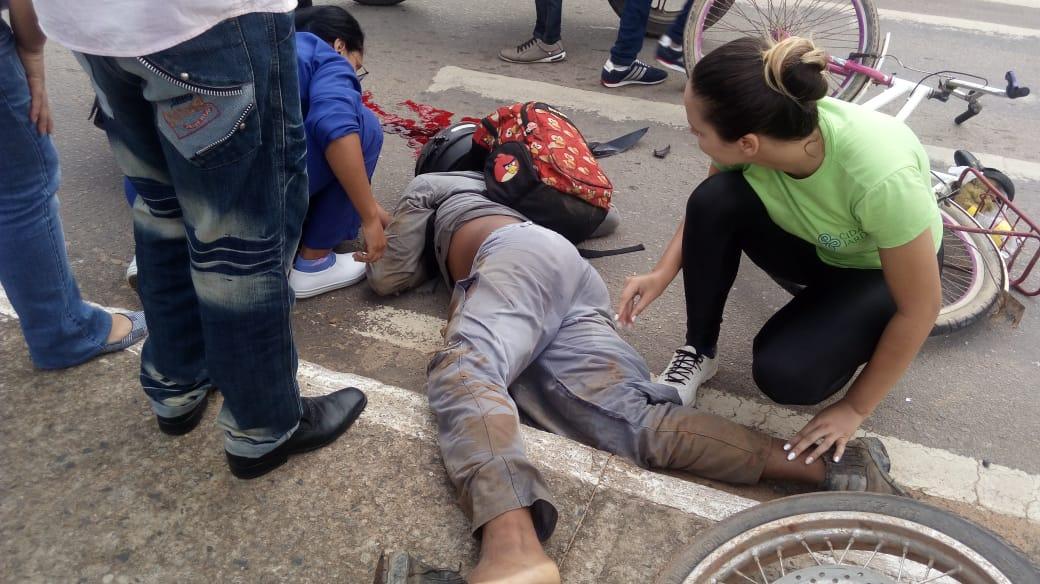 Marcelo Lopes estava a caminho do 2º Distrito e, segundo testemunhas, foi atingido por um outro motociclista que avançou no sinal fechado.