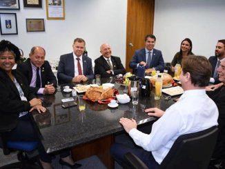 A reunião ocorreu no gabinete no senador Acir Gurgacz (PDT) e reuniu os representes de Rondônia na Câmara e no Senado.
