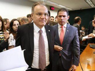 Parecer do deputado Samuel Moreira será votado por comissão especial.