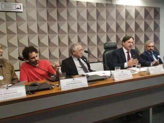 Proposta prevê lei nacional sobre o uso compartilhado de patinetes e bicicletas elétricas, que deve ser regulamentada e fiscalizada pelos municípios
