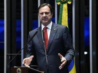Plenário do Senado Federal durante sessão não deliberativa. rrEm discurso, à tribuna, senador Acir Gurgacz (PDT-RO).rrFoto: Marcos Oliveira/Agência Senado