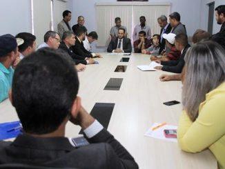 Reunião com taxistas para discutir o Projeto de Lei nº 2878 encaminhado pelo prefeito Marcito Pinto