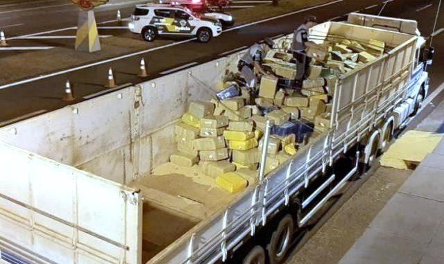 Carregamento saiu do Paraguai, cruzou as estradas de Mato Grosso do Sul e só foi interceptado em território paulista.