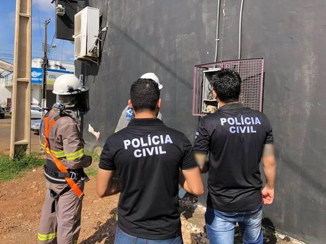Acompanhamento da polícia civil a uma equipe da Energisa para verificar sobre a suspeita do desvio de energia elétrica.