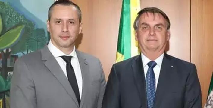 Bolsonaro decide exonerar Roberto Alvim