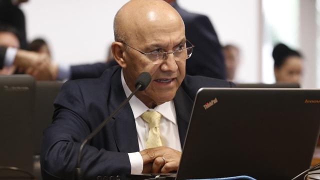 Confúcio propõe empréstimos e isenção de IOF aos fabricantes de álcool em gel