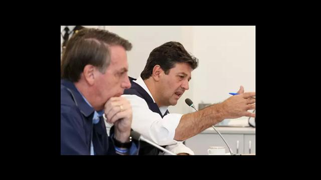 """Mandetta ajudou a potencializar pavor"", ataca Bolsonaro"