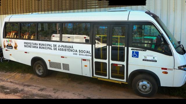 Aquisição de micro-ônibus irá contribuir com serviços assistenciais em Ji-Paraná