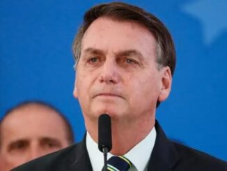 Ex-mulher de Bolsonaro pagou 5 imóveis com dinheiro vivo