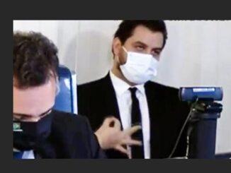 Filipe Martins faz gesto supremacista no Senado